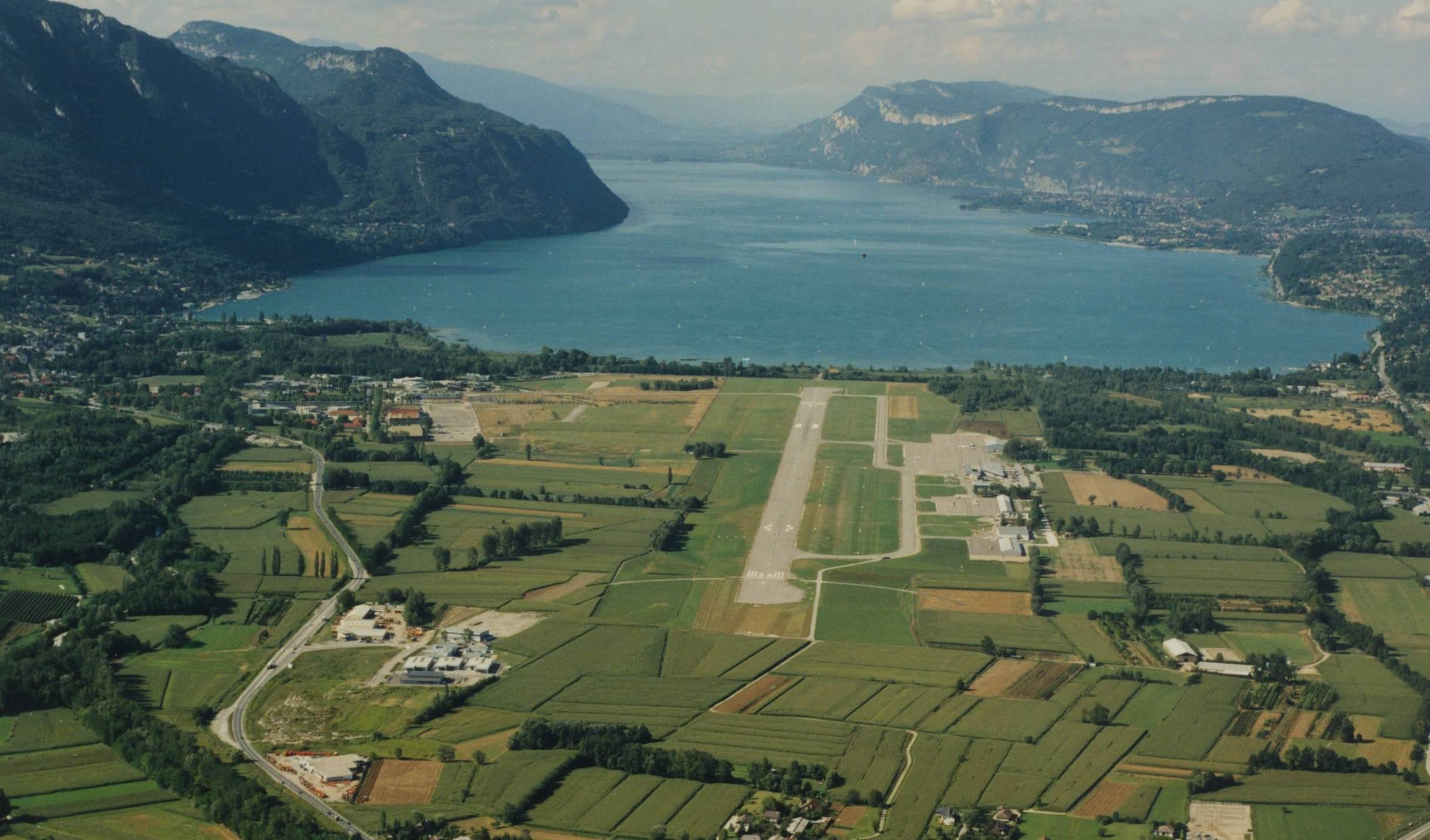 [Image: aeroport-chambery2.jpg]