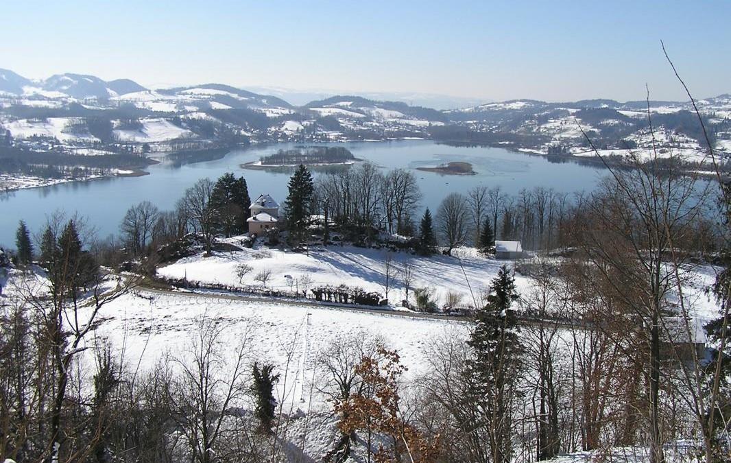 Les Lacs autour de Chambéry l'hiver