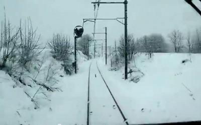 Neige et conduite d'un train entre Chambéry et Bourg-Saint-Maurice