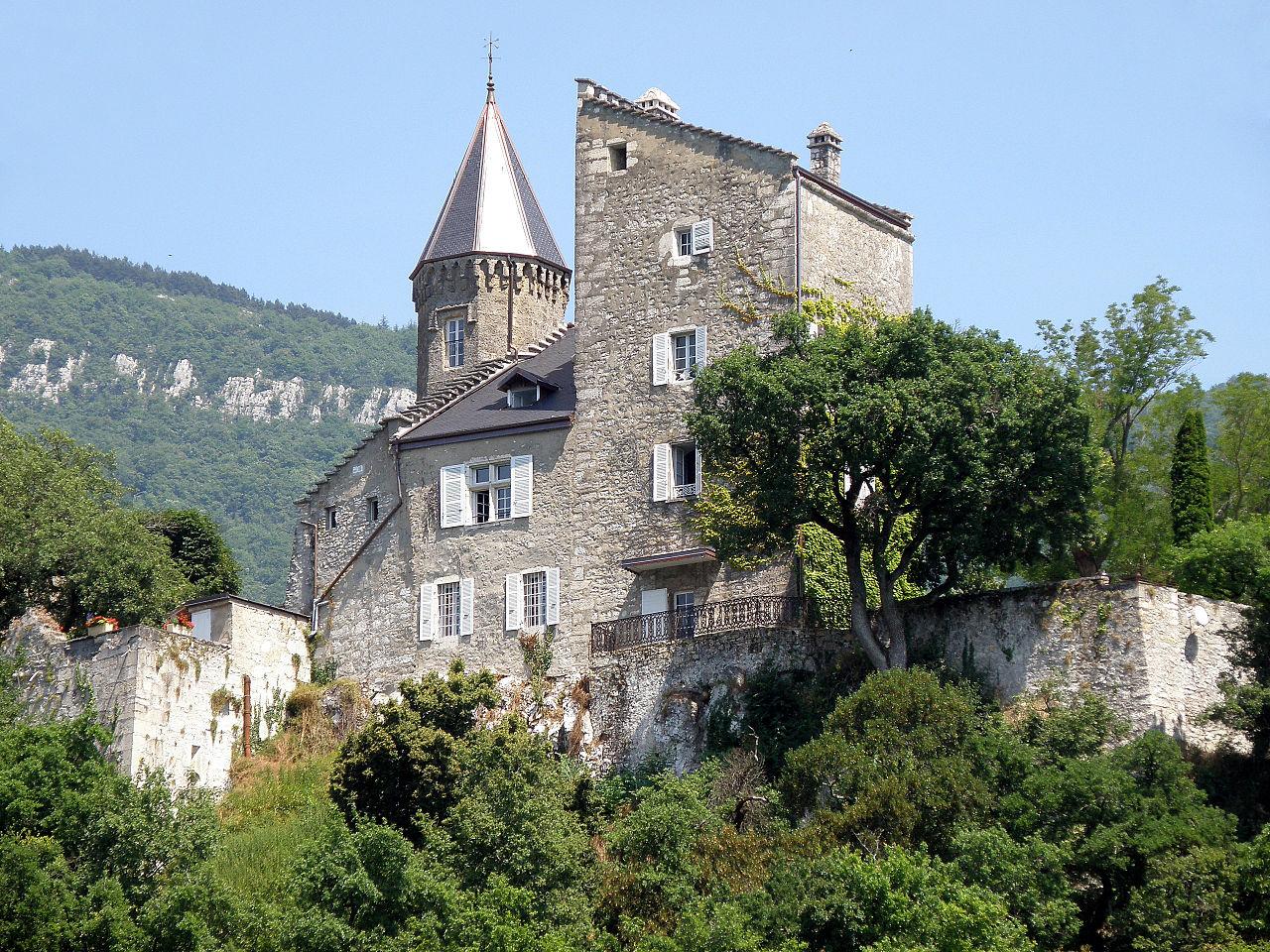 Château de Châtillon à Chindrieu à 35km de Chambéry - J ...