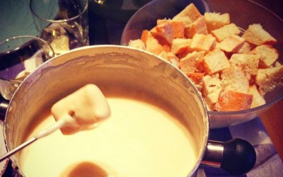 10 signes qui montrent que vous êtes accro à la fondue savoyarde