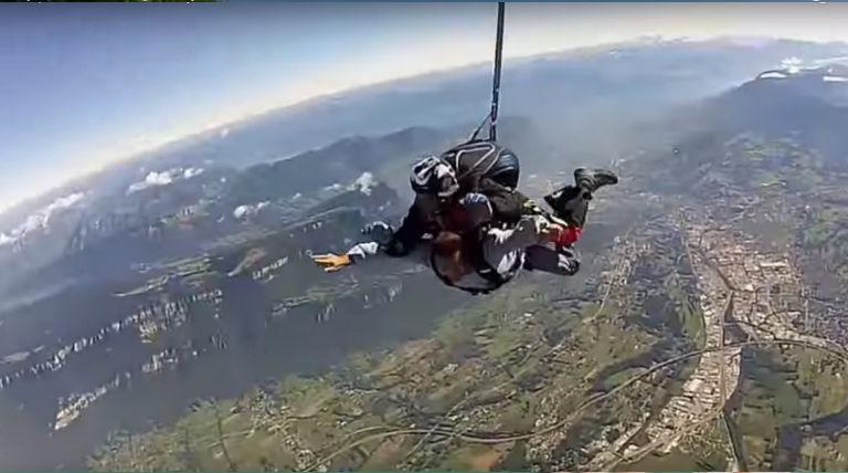 Saut en parachute au dessus de Chambéry